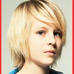 Jungen Bob frisuren halblang für glattes blondes Haar