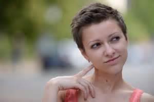 Frauen Frisur Seiten Kurz Oben Lang