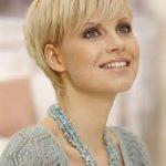Frisur Kurz Frau Blond