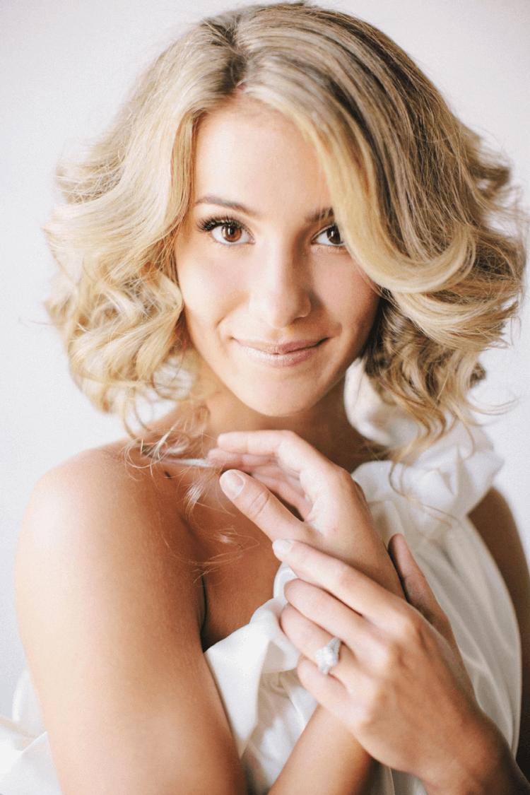 Blond bob frisur hochzeit mittellange haare
