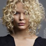 Frisuren Locken Mittellang