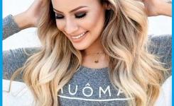 einfache-frisuren-fur-lange-haare-zum-selber-machen-frohlich-frau-frisur-welligen-blonden-haar