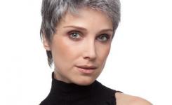 modern-und-leicht-zu-bedienen-kurz-blond-haare-frisuren-fur-frauen-ab-50-einfache-frisur-ohne-pony
