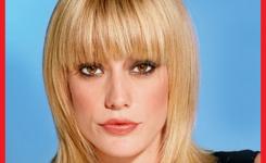 pony-frisuren-gesichtsform-ovale-dunnes-haar-gerade-blond-leicht-gekammt-und-ist-geeignet-fur-erwachsene-frauen-was-den-eindruck-von-anmutig-und-schon-zu-geben